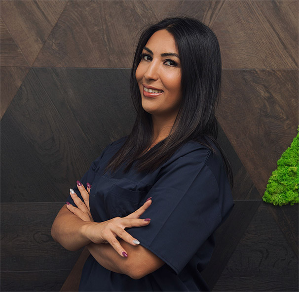 Dr Kavian Sanaz - Medic specializare chirurgie dentoalveolara Competenta estetica dentara