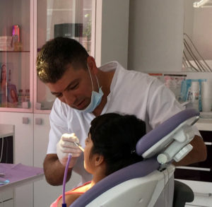 Dr Mousavi Mahmoud - Medic supraspecializare chirurgie dentoalveolara